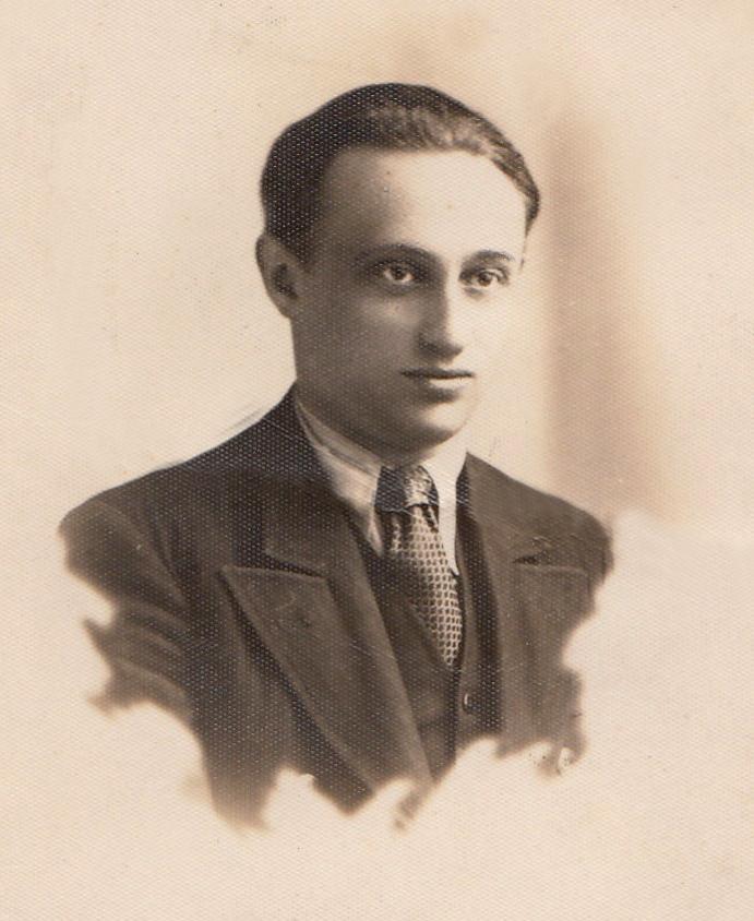 ישראל אלדד בשנת 1936